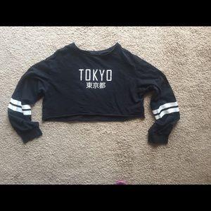 Divided h&m crop top shirt Tokyo XS